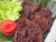 Resep Empal Daging Sapi #KitaBerbagi oleh Fitri Sasmaya - Cookpad Mie Goreng, Nasi Goreng, Healthy Drinks, Healthy Recipes, Indonesian Cuisine, Indonesian Recipes, Malay Food, Crock Pot Food, Asian Beef