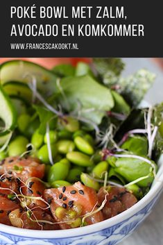 Poké bowl with salmon, avocado and cucumber - Francesca Boils - Healthy recipe for Poké bowl with salmon, avocado and cucumber. For 4 people for lunch or light ev - Healthy Summer Recipes, Healthy Recipes On A Budget, Real Food Recipes, Sashimi, Healthy Diners, Lunch Boxe, Broccoli, Asian, Healthy Eating