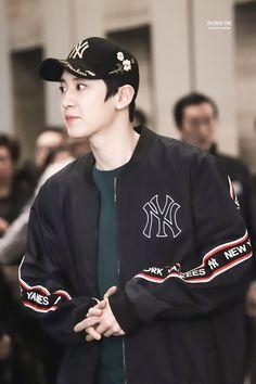 180323 #Exo #Chanyeol - MLB Hong Kong Store Event