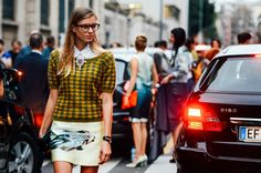 Happy Monday all! As you know, the focus has now shifted to the Milan fashion scene. The streets are overrun with one chic lady after the ot...
