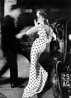 "robert-hadley: "" Suzy Parker photographed by Richard Avedon, 1957. Source: myvintagevogue.com """