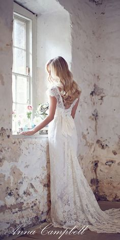Anna Campbell Vintage Wedding Dress 4 / http://www.himisspuff.com/vintage-wedding-dresses-you-will-love/2/
