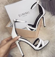 62d180f51ee 2508 Best SHOES. images in 2019