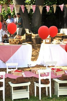 cute party...  love the burlap paired with the red/white gingham fabric for a bunting
