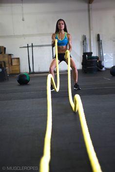 Workout Rope Training: Basic Exercises For Beginners Hiit Workouts For Beginners, Toning Workouts, Fun Workouts, Rope Training, Boxing Training, Battle Rope Workout, Rope Exercises, Battle Ropes, Plyometrics
