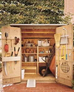 6 Radiant ideas: Garden Tool Storage Lean To garden tool rack kitchen utensils.Garden Tool Shed Organization. Garden Tool Shed, Garden Tool Storage, Garden Sheds, Backyard Storage, Rack Bike, Storage Shed Organization, Organizing Ideas, Storage Ideas, Organising