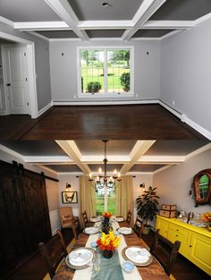 Episode 309... LOVE the High Low Project!!! And i love the barn doors in this room!