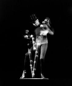 Stan Cavenaugh Stoboscopic Image - Juggler - Photographed by Gjon Mili - NY, 1941.