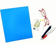 Nähe dir ein Federmäppchen mit zwei Fächern, das mit einem Gummi um eine Mappe geklemmt werden kann. Notebook, Oilcloth, Pens, Sewing Patterns, Tutorials, The Notebook, Exercise Book, Notebooks