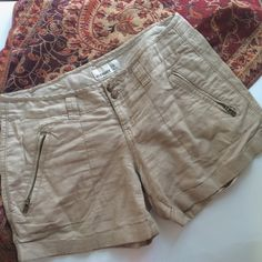 Linen Tan Khaki Shorts by Old Navy These gorgeous shorts from old navy are beautiful khaki tan color but have a linen feel! They are in great condition and are perfect for this spring and summer! They are a size 6, check them out! Old Navy Shorts
