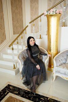 Luxury Antonovich Design is a luxury Interior Design Company in Dubai and interior architecture studio in Dubai. Complete Interior Design Services, Fit Out Services, Architecture. Interior Design Companies, Apartment Interior Design, Luxury Interior Design, Dubai Houses, Interior Fit Out, Villa Design, House Design, Beautiful Houses Interior, High Class