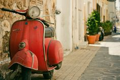 Vesparess by playayanos on Flickr (via zarzor)