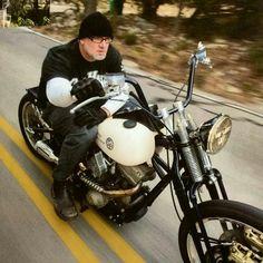 Jesse is living the dream Jesse James Motorcycles, Cool Motorcycles, Harley Davidson Motorcycles, Harley Bobber, Chopper Motorcycle, Bobber Chopper, Custom Choppers, Custom Harleys, Jesse James Biker