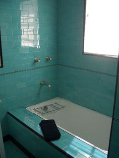 Could this actually be an original bathroom? It looks perhaps worn enough to be the real thing, but I don't think they had such square tubs back then. Aqua Bathroom, Art Deco Bathroom, Vintage Bathrooms, Bathroom Renos, Small Bathroom, Bathroom Plants, Bathroom Ideas, Turquoise Tile, Art Nouveau