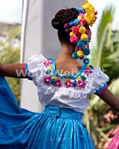 Fabulous Cinco de Mayo dress, craaaazy Cinco de Mayo headpiece.