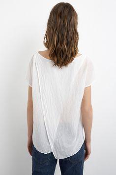 http://velvet-tees.com/women/velvet-tees-and-tops/beki-silk-cotton-voile-split-back-top.html