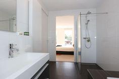 Appartement te koop: Bonkelaarplein 91 3363 EL Sliedrecht [funda] Luxury Living, Bathtub, Bathroom, Slipcovers, Standing Bath, Washroom, Luxury Life, Bath Tub, Bathtubs