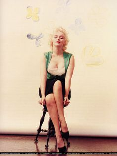 Marilyn Monroe, 1954, New York, Baumen sitting  by Milton H Greene