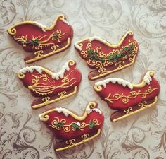 Some lovely sleigh cookies (Christmas Sweets Recipes Sugar) Fancy Cookies, Iced Cookies, Cute Cookies, Cookies Et Biscuits, Cupcake Cookies, Cupcakes, Iced Biscuits, Cookie Icing, Shortbread Cookies