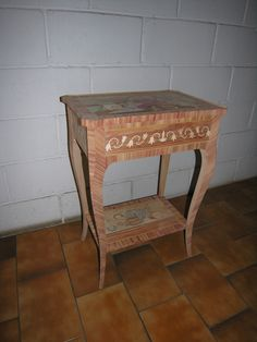 https://i.pinimg.com/236x/1b/0e/dc/1b0edc9e16cc6eb047f30290150f52c9--italian-furniture-small-tables.jpg