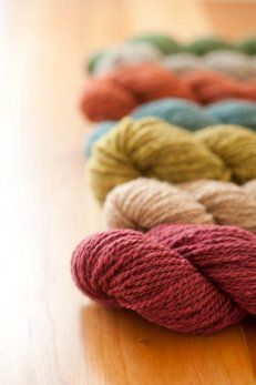 Welcome to the world, Owl! New from Quince & Co., 50/50 domestic wool and alpaca in a springy two-ply in gorgeous heathered colors.