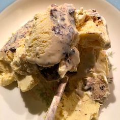 Lavkarbo: Iskrem med vanilje og sjokoladebiter | Greta-G Keto, Lchf, Sour Cream, Ice Cream, Sugar Free, Food And Drink, Health Fitness, Healthy Recipes, Healthy Food