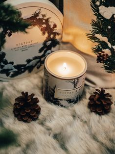 Mini Candles, Fall Candles, Christmas Candles, Scented Candles, Candle Pics, Candle Picture, Classic Christmas Songs, Christmas Scents, Christmas Photography