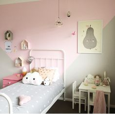 Girl's room with modern details