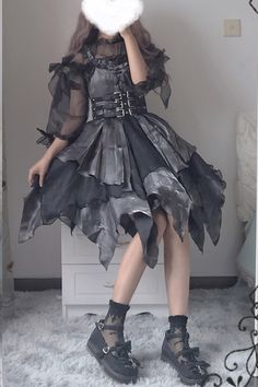 Steampunk Lolita, Gothic Lolita Fashion, Gothic Outfits, Grunge Outfits, Edgy Outfits, Pretty Outfits, Pretty Dresses, Lolita Goth, Gothic Lolita Dress
