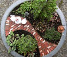 Мини-сад в цветочном горшке :: Фото красивых интерьеров