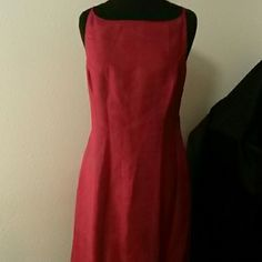 Floor Length gown Silk lined very feminine gown. Perfect special occasion dress. Ann Taylor Dresses Maxi