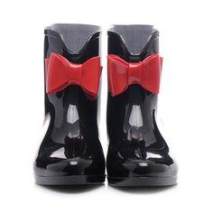 Dámské módní holínky, gumáky. Slevy, výprodeje. Holínky, gumáky, lévne boty  Proč nakupovat holínky na Cosmopolitus? http://www.cosmopolitus.com/damske-boty-holinky-c-101_6240_106.html Vybírejte a nakupujte právě u nás, protože nabízíme více než 100 modelů za nízké ceny. http://www.cosmopolitus.com/ #Dámské #modní #holínky, #gumaky. #Slevy, #vyprodeje.