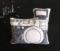 http://craftcollector.com/2016/06/30/d-i-y-gifts-for-camera-lovers/
