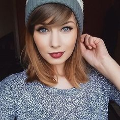 Obsessed with this autumn beauty look! Love her killer cat eye using #theyrereal #pushuplinerxx