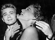James Dean e Ursula Andress