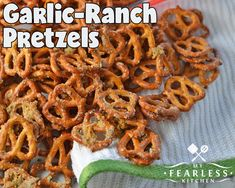 Garlic-Ranch Pretzels from My Fearless Kitchen. These Garlic-Ranch Pretzels are a perfect snack for an afternoon pick-me-up, a relaxing evening, or any party! They are simple to make and packed with flavor! Snack Mix Recipes, Yummy Snacks, Appetizer Recipes, Cooking Recipes, Snack Mixes, Nutritious Snacks, Ranch Pretzels, Seasoned Pretzels, Spicy Pretzels