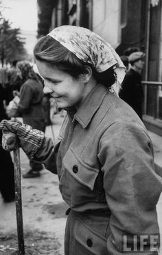 1956 Moscow By Lisa Larsen