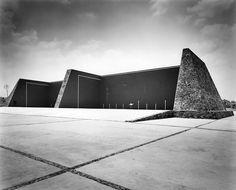 Frontones, Ciudad Universitaria (UNAM), México, DF 1952   Arq. Alberto T. Arai   Foto. Juan Guzmán -   Fronton courts, University City (UNAM), Mexico City 1952