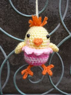 Ravelry: Little Chirpy Chick pattern by Janine Holmes