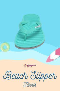 Beach Slipper Türkis 💦☀ Nur CHF 19.90!  Ideale Badesandalen mit Schrägriemenbefestigung. Tolle Sommerbegleiter 💖 Flipflops für die Badi oder für warme Sommerabende.  Jetzt bei schwesternuhr.ch bestellen. Ohne Versandkosten. Schweizer Unternehmen.  #schwesternuhrch #schwesternuhr #schwesternschuhe #sommerschuhe #beachslipper #flipflop Flipflops, Slipper, Hats, Beach, Fashion, Beautiful Sandals, Comfortable Sandals, Comfortable Shoes, Hiking Supplies