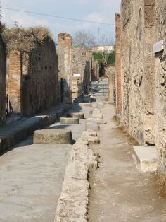 I studied Pompeii and Herculaneum in year 12 (Pompeii being pictured) and so am determined to experience it for myself.