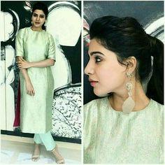 New dress for teens cute yellow Ideas Dresses For Teens, Trendy Dresses, Simple Dresses, Casual Dresses, Indian Attire, Indian Wear, Churidar Designs, Indian Designer Suits, Kurti Designs Party Wear