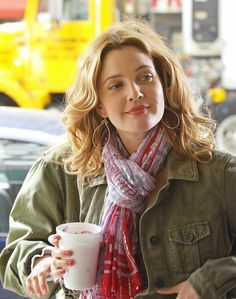 Scarf and Style - Jewelry love the earrings coffee - Drew Barrymore: pic #51567