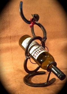 Botella de vino con herradura vaquero por MaceMetalandLeather