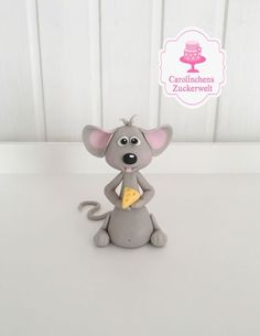 Mouse by Carolinchens Zuckerwelt Cute Polymer Clay, Polymer Clay Animals, Polymer Clay Projects, Fondant Cake Toppers, Fondant Cupcakes, Cupcake Toppers, Animal Cupcakes, Fondant Animals, Clay Fairies