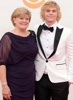Evan Peters with his beautiful mother Julie at the Emmys.  Love them!!!