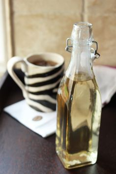 Homemade Vanilla Syrup | perfect for your iced coffee, tea, desserts and cocktails! | from DelectableDarlings.com