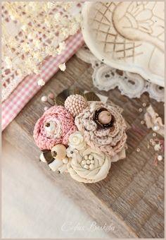 """Купить Брошь """"Цветы украдкой"""" - брошь, брошь букет, нежно-розовый, нежность, розовая брошь"""
