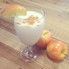 Apple Pie Smoothie Recipe: 1 Premier Protein Vanilla Shake 1 apple (cored and sliced) 1 tsp apple pie spice tsp honey ice cubes Blend until smooth and enjoy! Protein Smoothies, Protein Shake Recipes, Protein Foods, Pure Protein, High Protein, Apple Pie Smoothie, Blackberry Smoothie, Apple Smoothies, Premier Protein Shakes