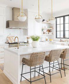modern white kitchen / home decor / interior design Cosy Kitchen, Home Decor Kitchen, Interior Design Kitchen, New Kitchen, Home Kitchens, Kitchen Ideas, Kitchen Images, Interior Modern, Apartment Kitchen